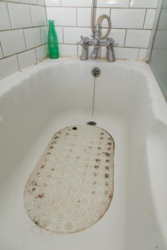 Should you refinish, reglaze or replace your bathtub?