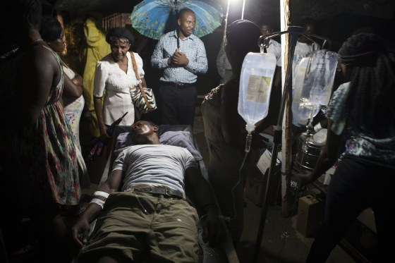 Image: At least 12 dead and 188 injured after earthquake in Haiti