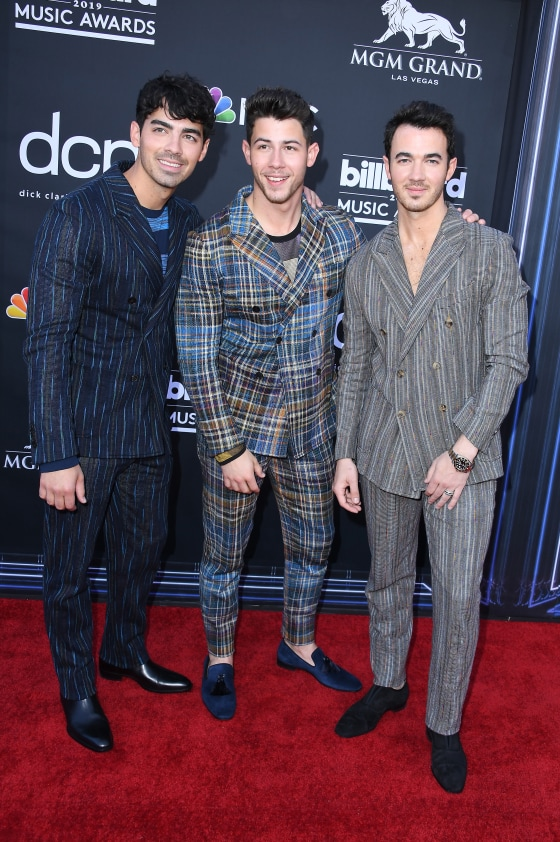 billboard music awards 2020 red carpet