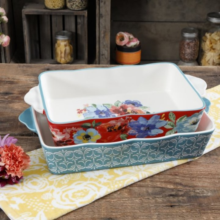 Pioneer Woman S New Kitchen Line Is Decorative And Affordable