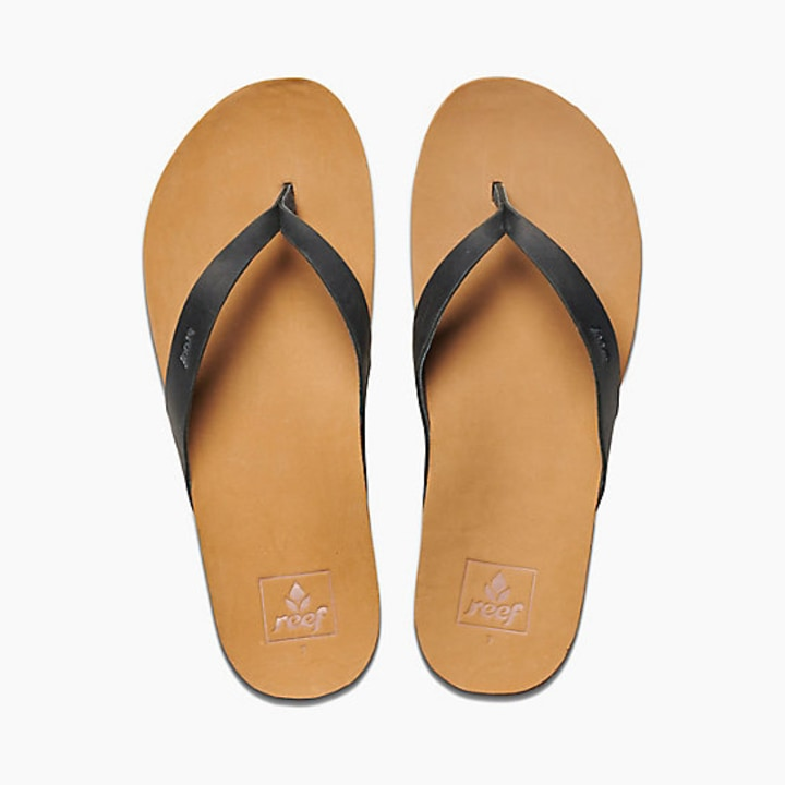 f5dff3750261 Reef Women s Cushion Bounce Court Leather Flip Flops