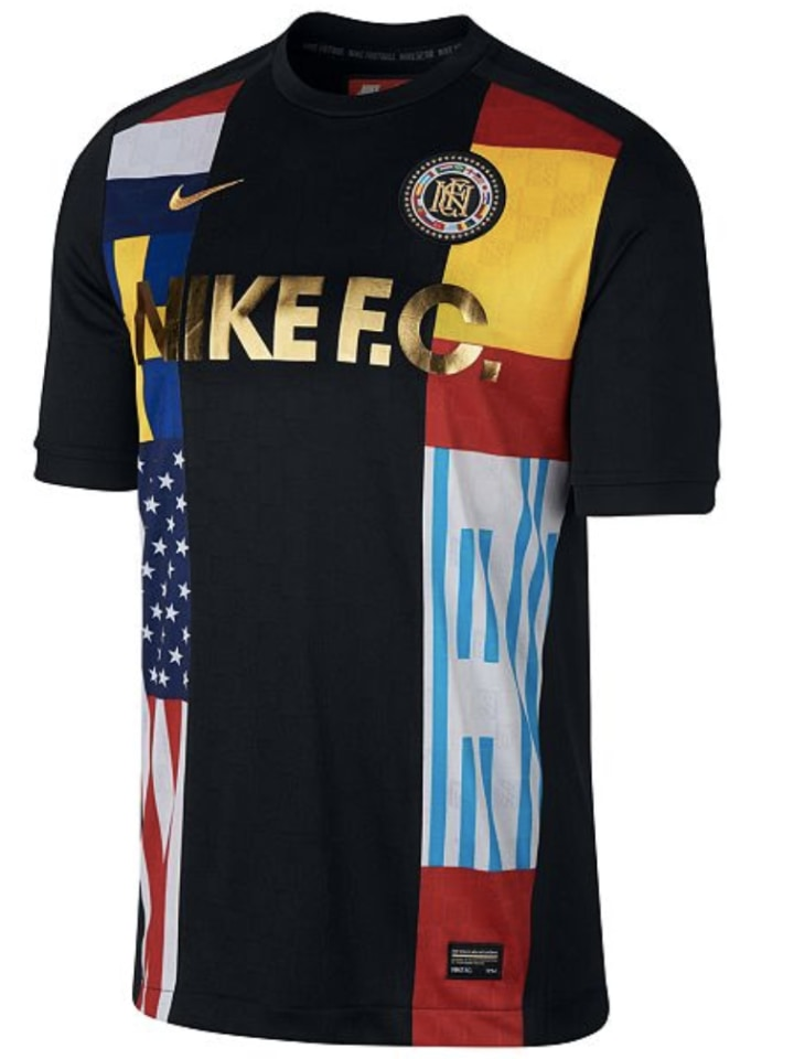 0990c1d67 Nike Men s World s Football Club Printed Soccer Shirt