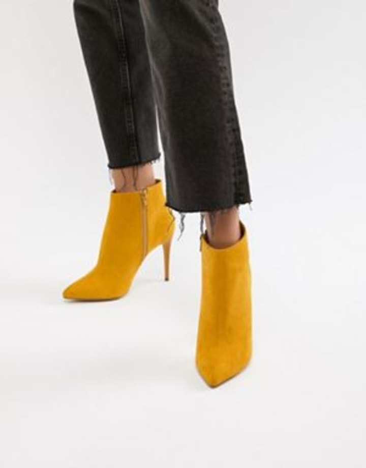 d9dc4c824 The 25 Pairs of Non-Black Women's Ankle Boots You Need For Fall