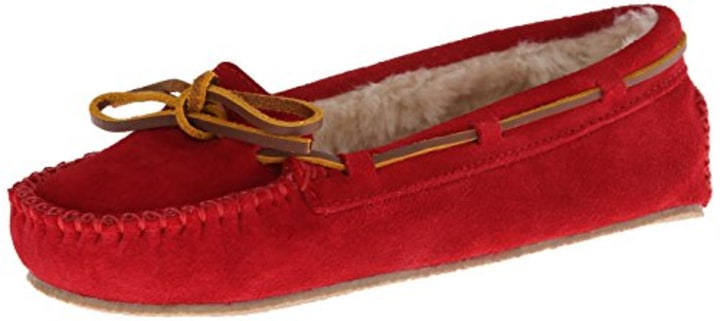 f4eccf671ea Minnetonka Women s Cally Slipper Moccasin