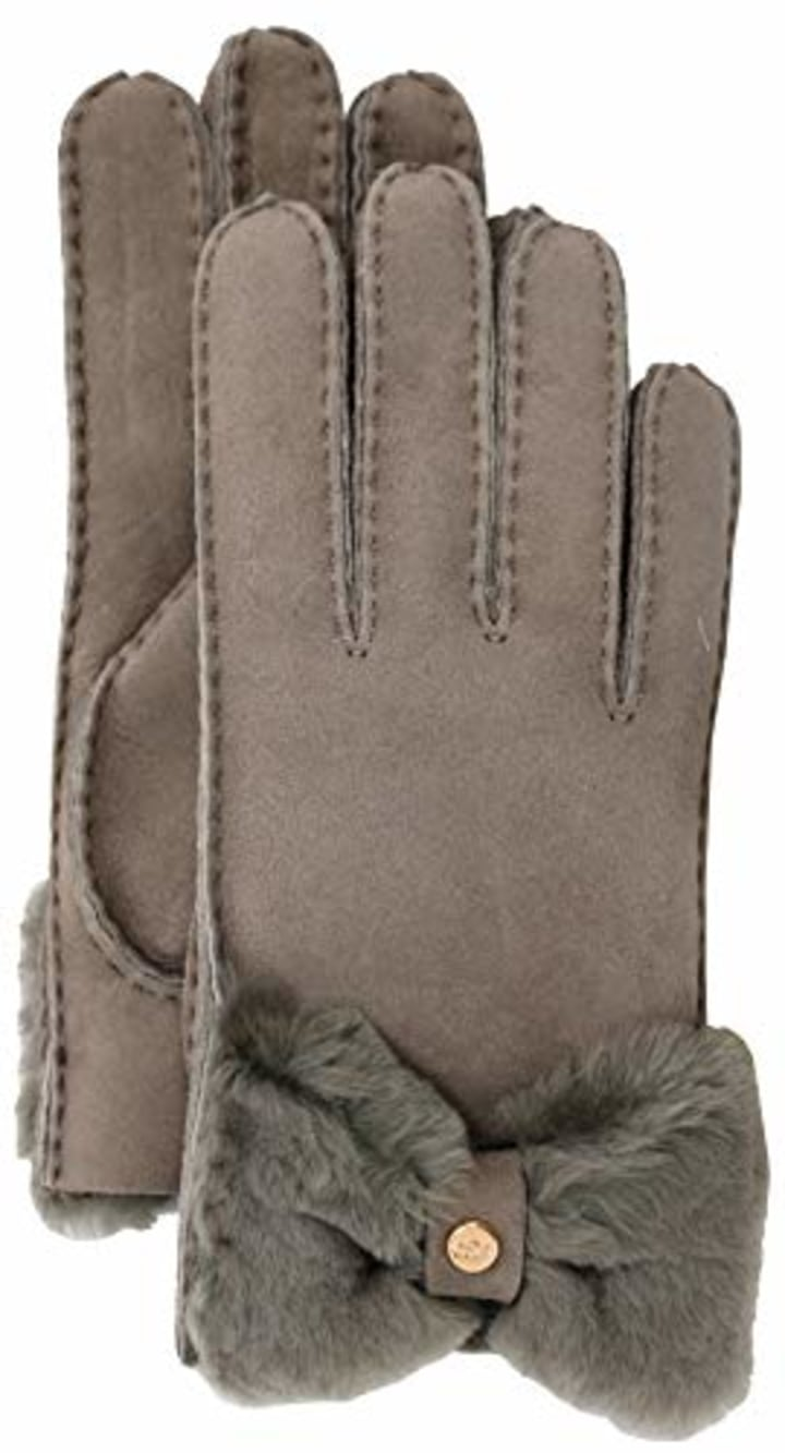 011eaab5981 These are the best winter gloves for women 2019