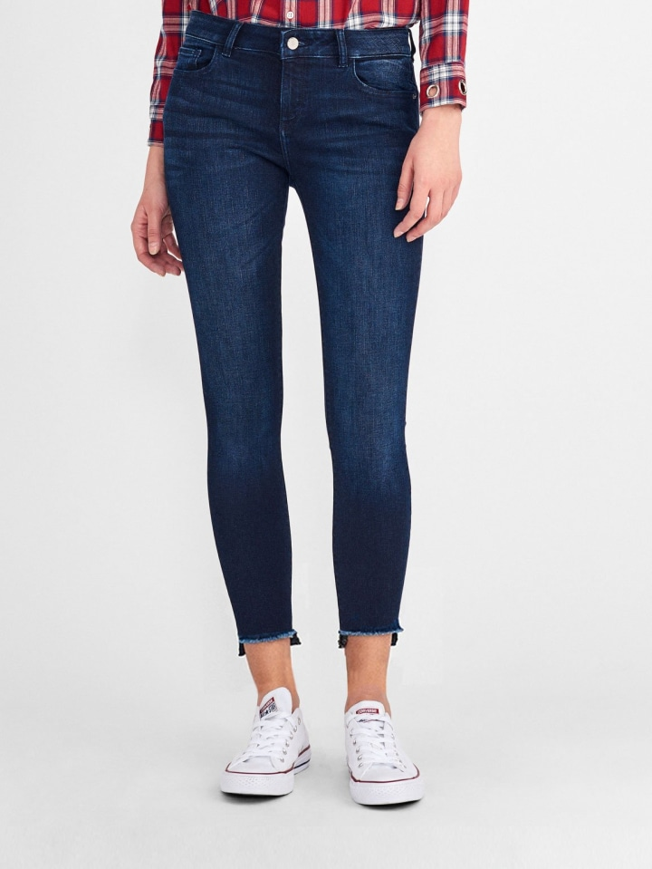6a84d0121aa5f What style of jeans are in? The top 7 denim trends of 2019