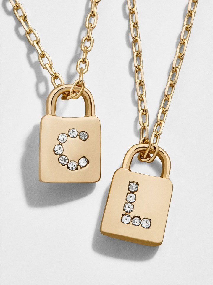 10 Pieces Of Personalized Jewelry For Moms