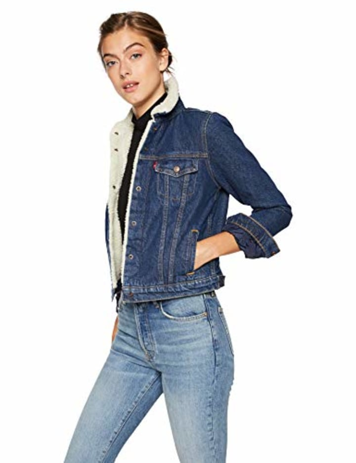 c2772df503e0d Levi s Women s Original Sherpa Trucker Jacket