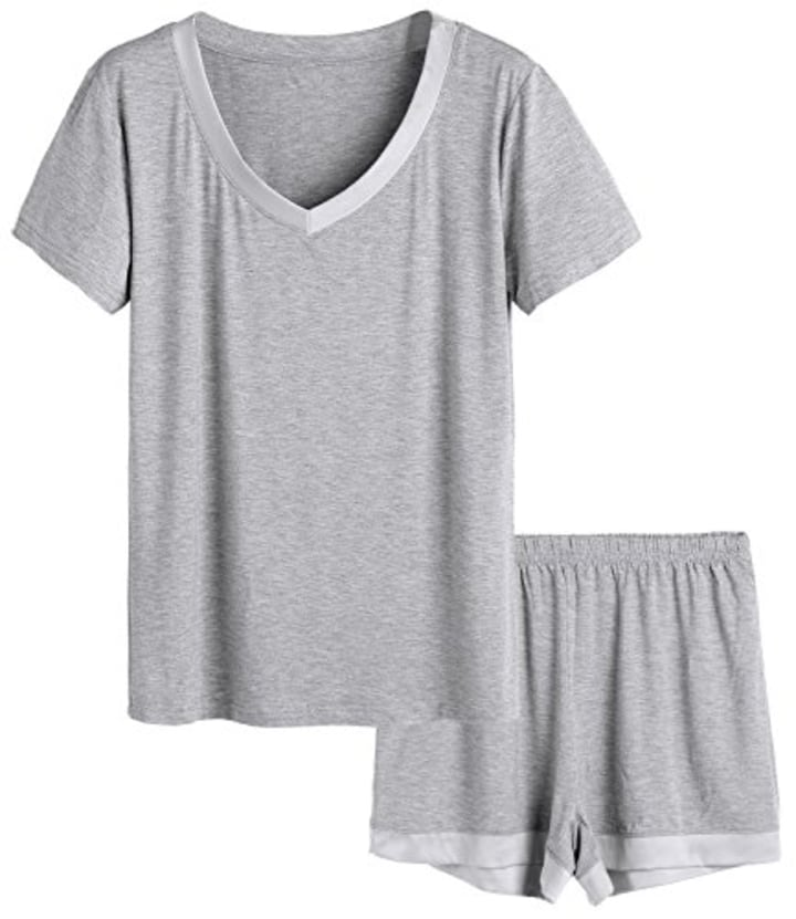 9955e6925 Latuza Women's V-Neck Sleepwear Short Sleeve Pajama Set