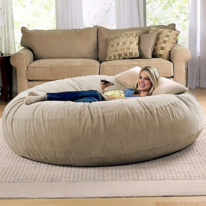 Phenomenal The Lovesac Pillow And Other Comfy Chairs To Try This Winter Spiritservingveterans Wood Chair Design Ideas Spiritservingveteransorg