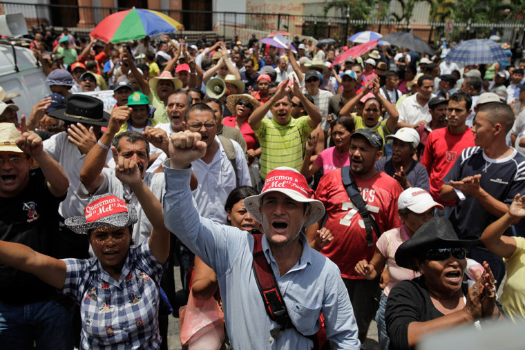 Image: Supporters of ousted Honduran president Manuel Zelaya stage a protest in San Pedro Sula