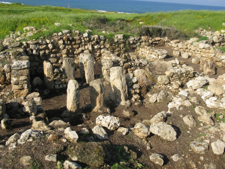 A well-preserved four-room house from the period of the Kingdom of Israel has been uncovered at Tel Shikmona, Israel.