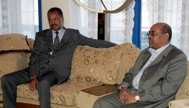 Sudanese President Omar al-Beshir, right, and Issaias Afeworki