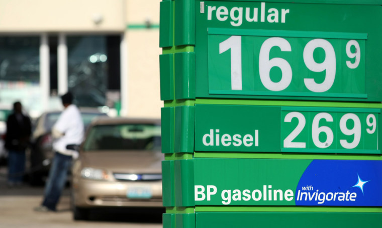 Image:Gas Prices Continue To Fall As Oil Drops Below 60 Dollars A Barrel
