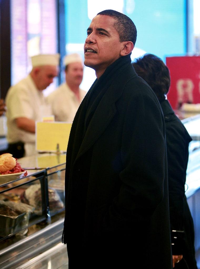 Image: President-elect Barack Obama picks up lunch at Chicago deli