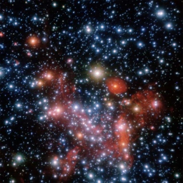 Image: Stars orbiting supermassive black hole