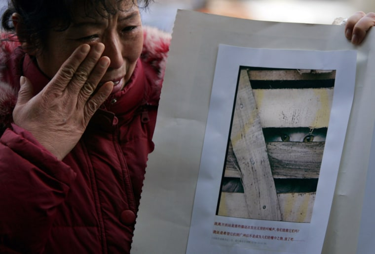Image: Chinese protest against animal cruelty
