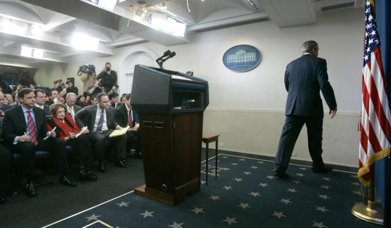 Image: President Bush walks off stage