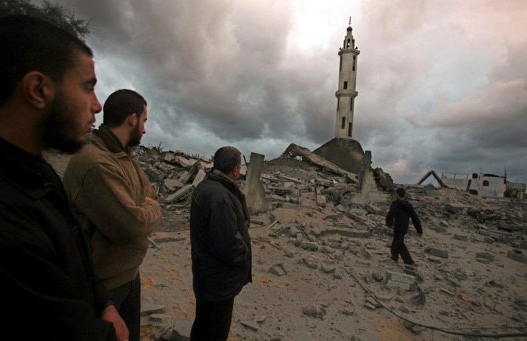 Image: Destroyed mosque following Israeli airstrikes in Gaza