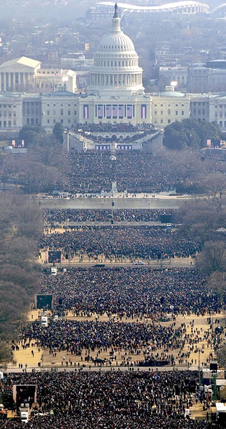 Image: Crowd in Washington