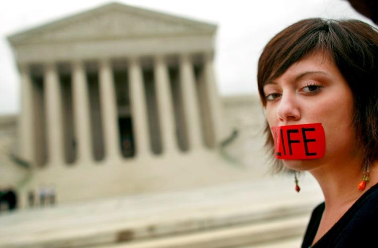 Image: Anti-Abortion groups pray at Supreme Court