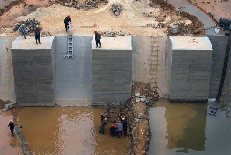 Image: Hydroelectric dam in China