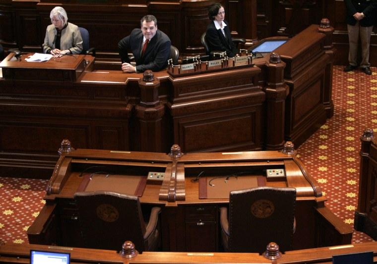 Image: empty desk for Gov. Blagojevic