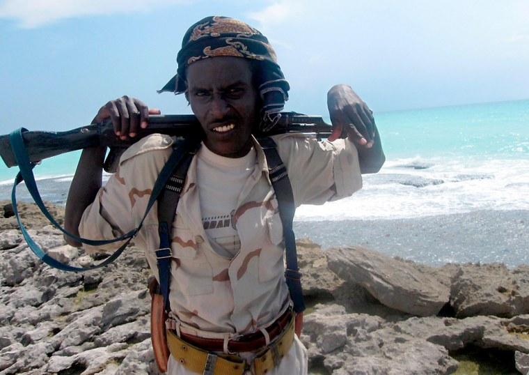 Image: Somali pirate on the coast of Hobyo