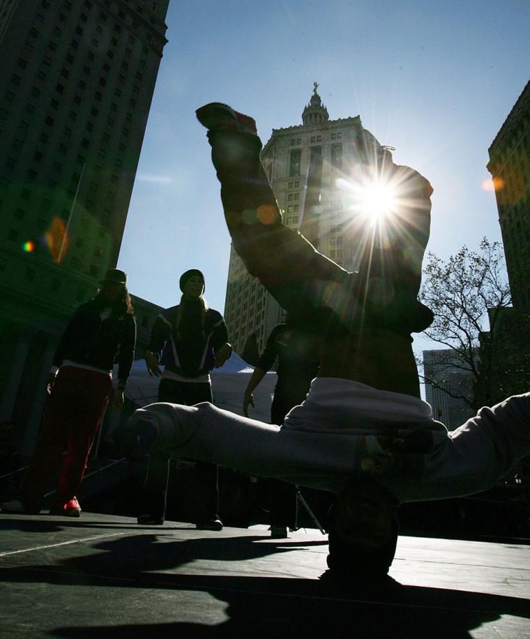 Image: Break dancing