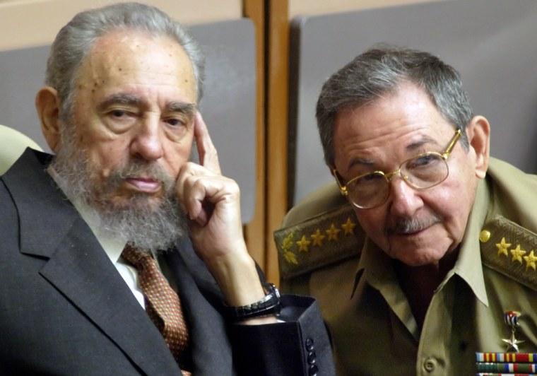 Image: Fidal and Raul Castro