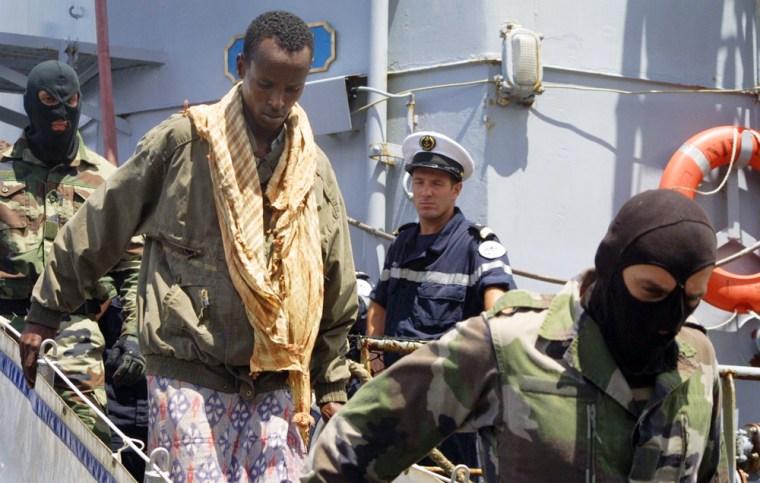 (2)KENYA-FRANCE-SOMALI PIRATE SUSPECTS-HANDOVER