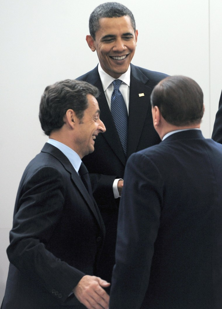 US President Barack Obama chats with Fre