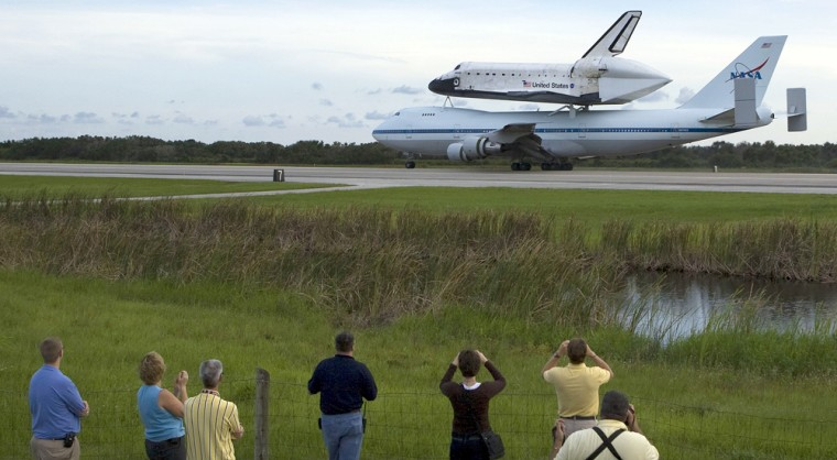 Image: Space Shuttle Atlantis Returns To KSC Atop Modified Boeing 747