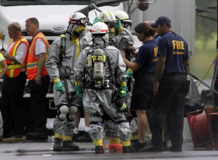 Image: Search crews at N.C. ConAgra plant