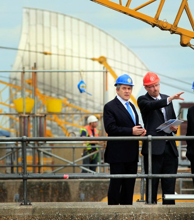 Image: Gordon Brown Visits The Thames Barrier