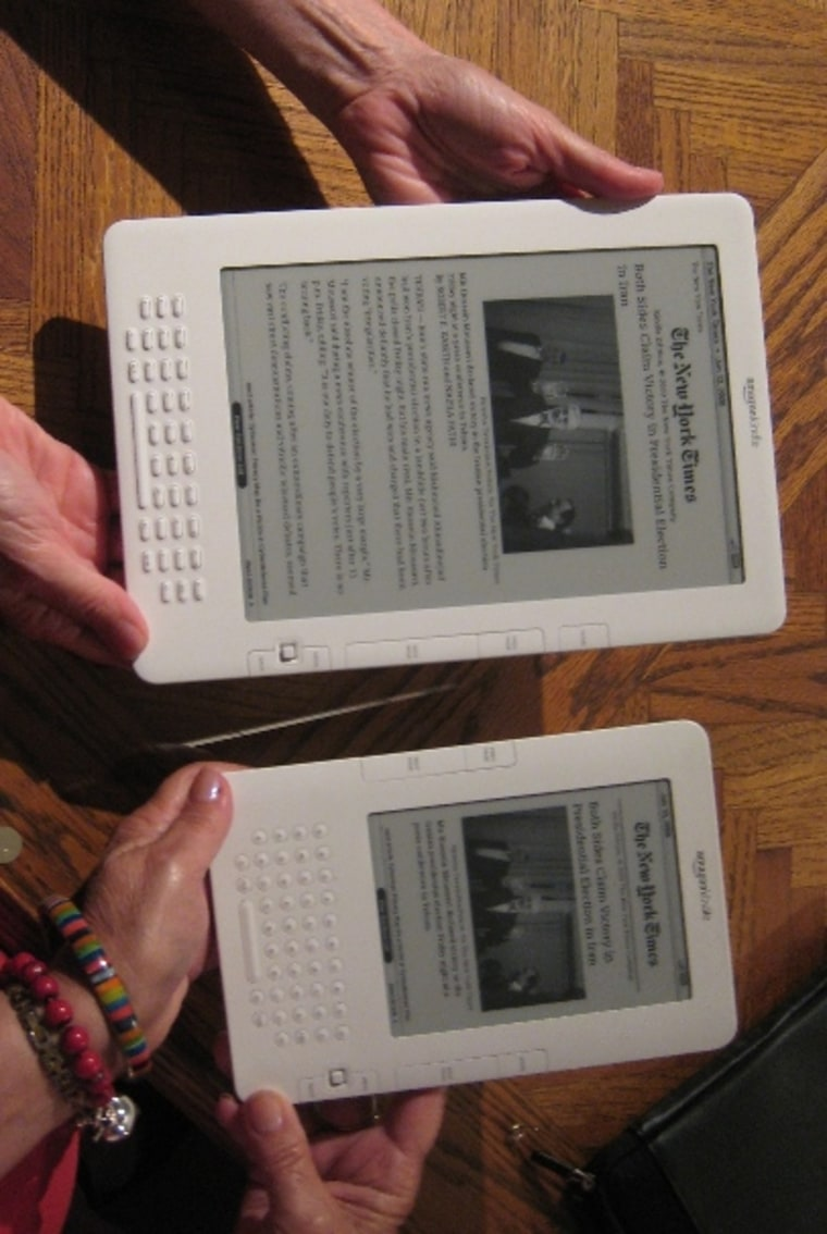 Image: Kindle DX and Kindle side by side