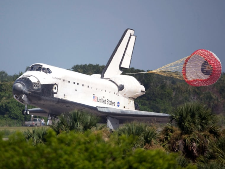 Image: Space shuttle Endeavour lands