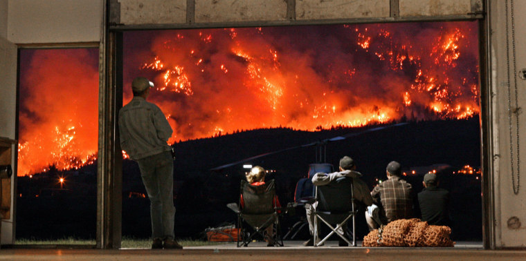 Image: Wildfires burn on Mount McLean in British Columbia