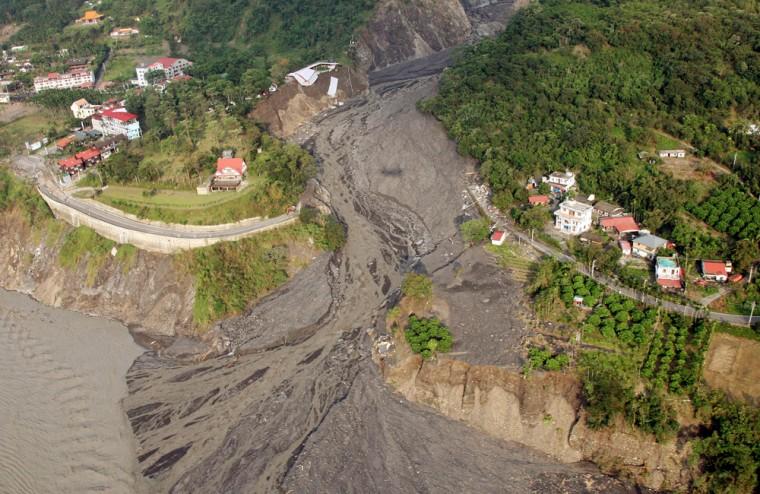 Image:  extensive mountain area of mudslide