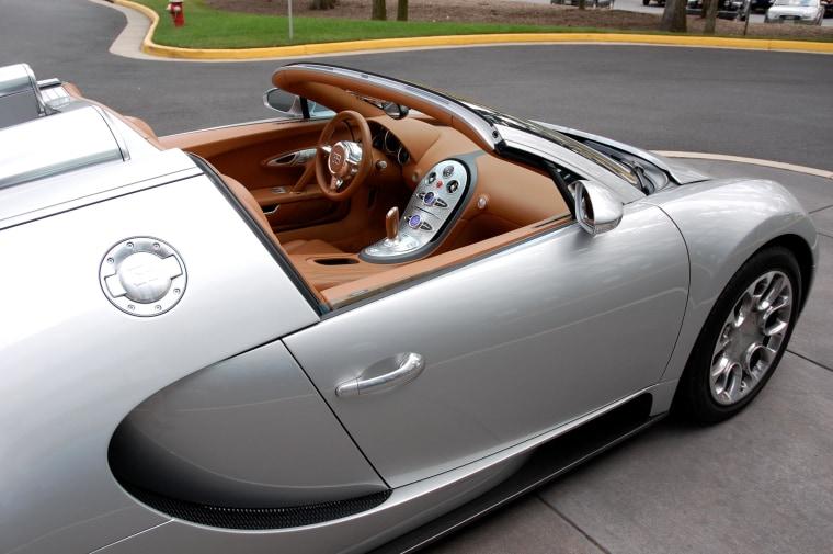 Image: Bugatti Veyron auto
