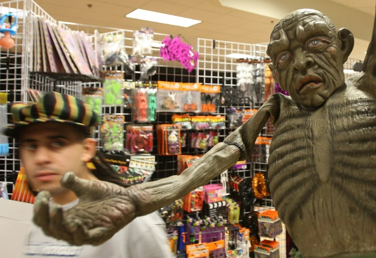 Image: Weak Economy Depresses Halloween Sales