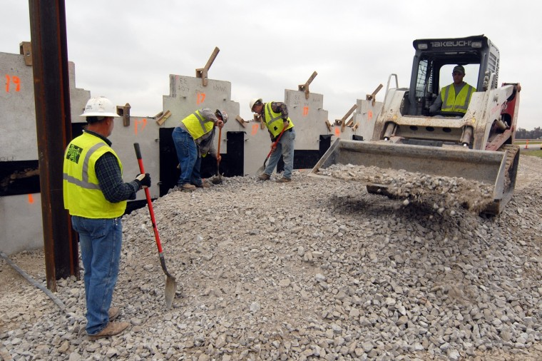 Image: Highway 71 overpass construction