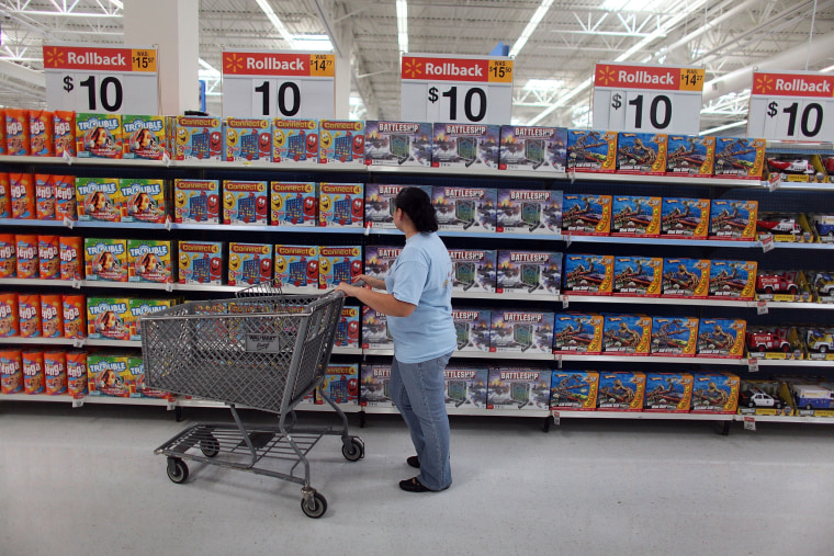 Image: In Weak Economy, Wal-Mart Expands $10-Toy Promotion For Holiday Season