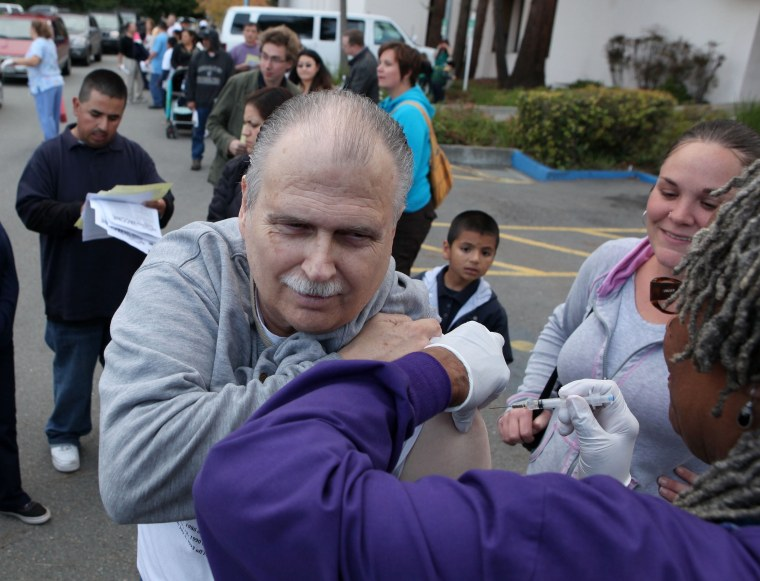 Image: California Medical Center Holds Free H1N1 Drive-Thru Community Clinic