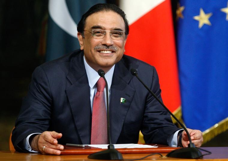 Image: Pakistani President Asif Ali Zardari smiles during his meeting with Italian Prime Minister Silvio Berlusconi at Chigi palace in Rome