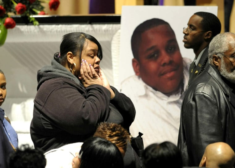 Image: Amanda Powell grieves the loss of Jamar Pinkney