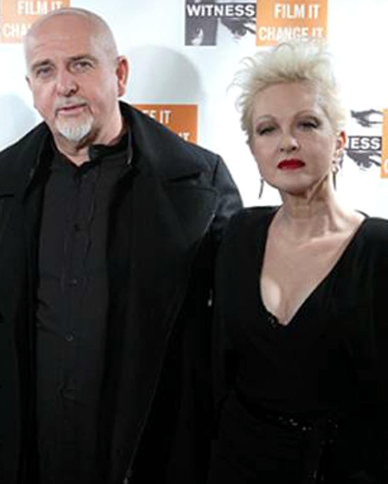 Image: Peter Gabriel and Cyndi Lauper