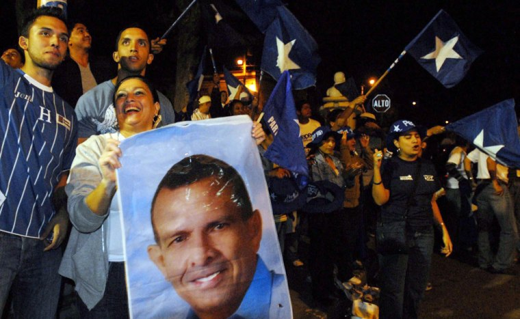 Image: Conservative Lobo leads in disputed Honduran election