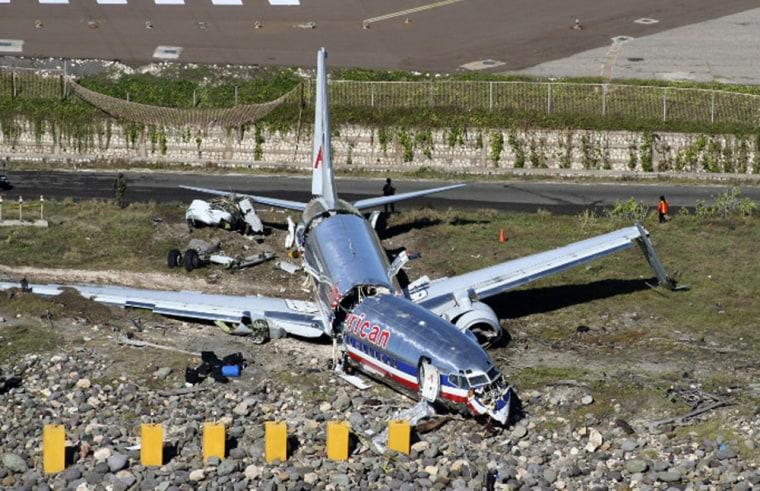 Image: fuselage of American Airlines flight AA331
