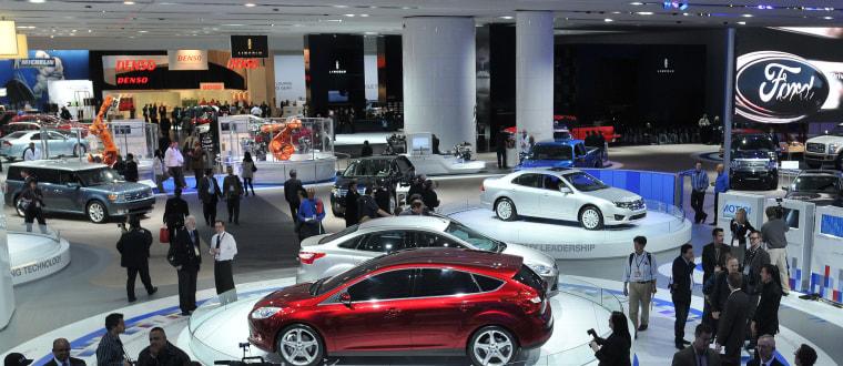 Image: Detroit auto show floor